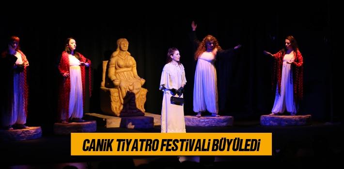 Canik Tiyatro Festivali Büyüledi