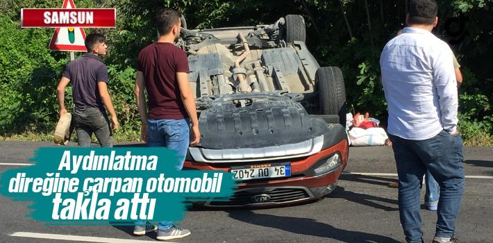 Samsun'da Aydınlatma Direğine Çarpan Otomobil Takla Attı