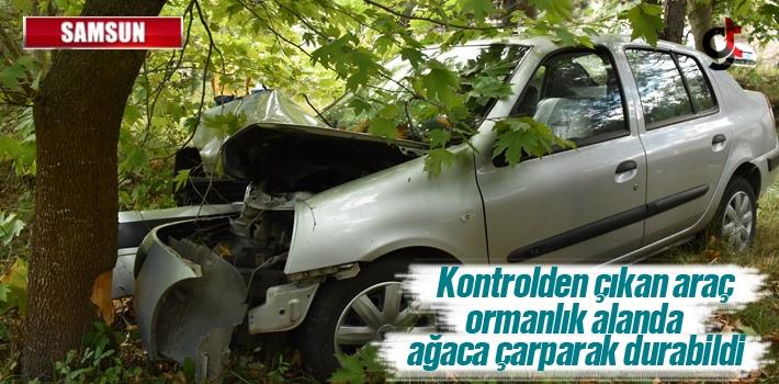 Samsun'da Otomobil Ağaca Çarptı:1 Yaralı