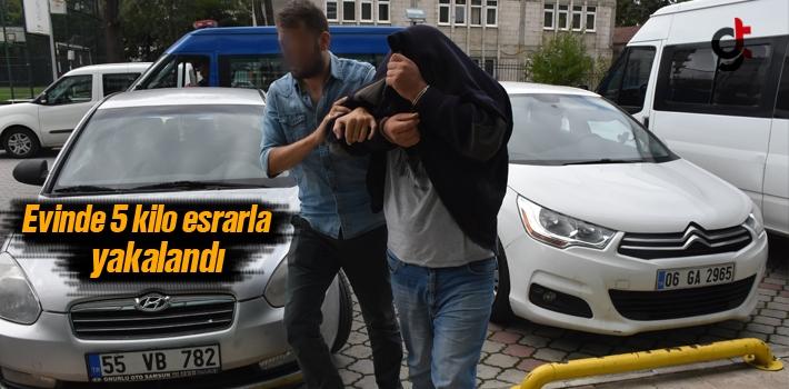 Samsun'da Yapılan Operasyonla Evinde 5 Kilo Esrarla Yakalandı