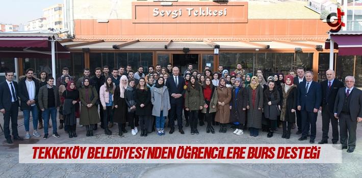 Tekkeköy Belediyesi'nden Öğrencilere Burs Desteği