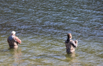Balık tutkunlarının Abant alası mesaisi