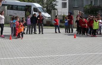 Havza'da geleneksel çocuk oyunları şenliği düzenlendi