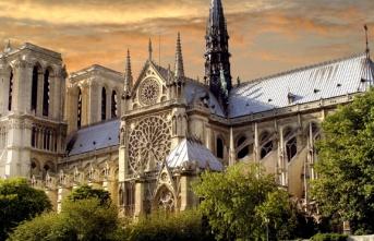 Notre Dame Klisesine Ne Oldu?