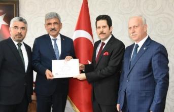 Vezirköprü Belediye Başkanı İbrahim Sadık Edis...