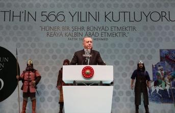 İstanbul'u kaybetmenin acısını 566 senedir...