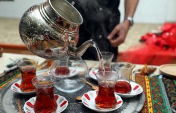 En iyi çayı demlemek ve sunmak için yarıştılar