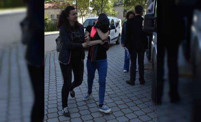 Samsun'da hırsızlık hükümlüsü anne ile...