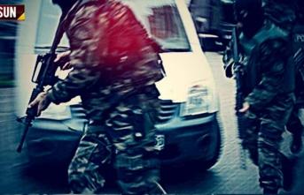 Salıpazarı'nda polisler eve baskın yaptı