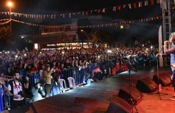 Samsun'da Fettah Can Konser Verdi