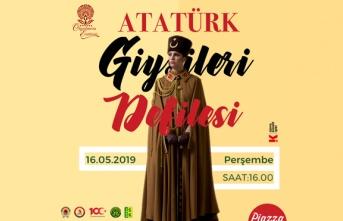 """Samsun Piazza'da """"Atatürk Giysileri Defilesi"""""""