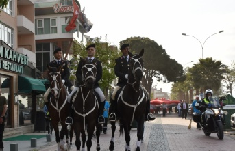 Samsun'da 1919 metrelik Türk bayrağı açıldı
