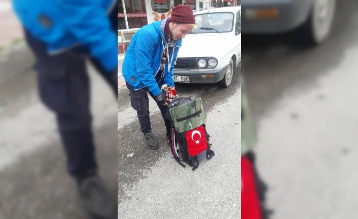 Tatar öğrenci otostopla Türkiye turunda
