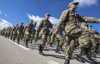 Askerlik süresini 6 aya indiren teklif TBMM'de kabul...