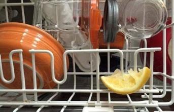 Bulaşık Makinenize Limon Dilimi Koyduğunuzda Bakın...
