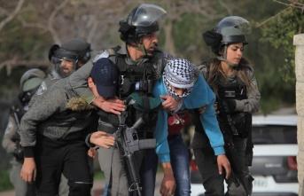 İsrail askerleri 58 Filistinliyi gözaltına aldı