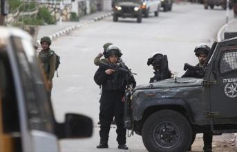 İsrail polisi Kudüs'te 17 Filistinliyi gözaltına...