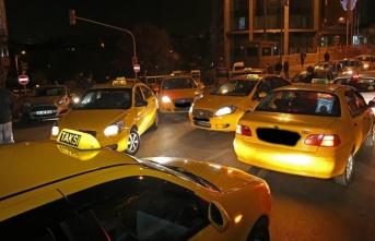 İstanbul'da turistleri dolandıran taksicilere...