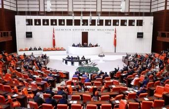 Mecliste yeni askerlik sisteminin görüşmeleri başladı