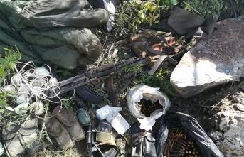 'Pençe Harekatı'nda çok sayıda silah ve patlayıcı ele geçirildi