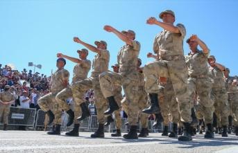 Yeni askerlik sistemi teklifi yasalaştı, arık askerlik...