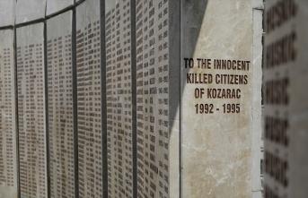 Savaştan 27 yıl sonra bulunan 86 kişi toprağa...