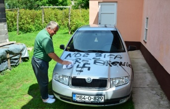 Bosna Hersek'te ev ve araçlara çirkin saldırı