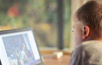 Ekran bağımlısı çocukları bekleyen tehlike