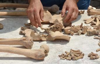Gladyatörler kentinin Bizans mezarları geçmişe...