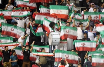 İran FIFA'nın kadınlara stadyum yasağını kaldırma...
