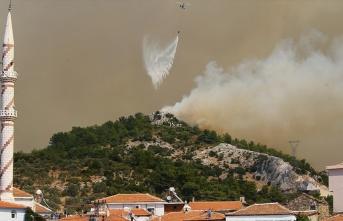 İzmir'deki orman yangını Menderes ve Seferihisar...