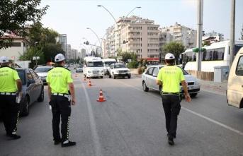 Kurban Bayramı'nda 116 bin 236 trafik personeli görev...