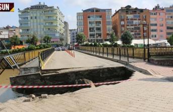 Terme'de köprü çöktü 2 kişi yaralandı;...