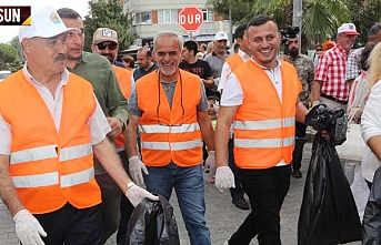 Cemil Deveci, Atakumlular ile birlikte temizlik yaptı