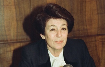 Türkiye'nin ilk kadın bakanı ve rektörü:...