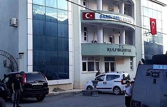 Tutuklanan HDP'li Kulp Belediye Başkanı Taş'ın...