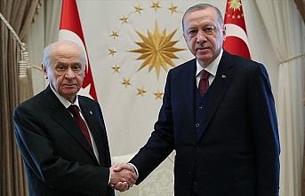 Cumhurbaşkanı Erdoğan Bahçeli'ye geçmiş olsun...