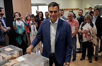 İspanya'da anketler siyasi belirsizliğin devam edeceğini gösteriyor