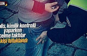 Polis kimlik kontrolü yaparken çelme taktılar, 3 kişi tutuklandı