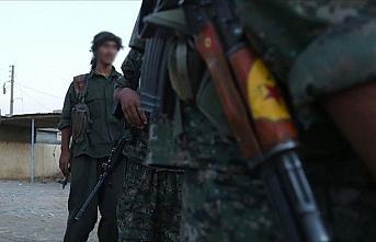 YPG/PKK'lılar, terör örgütü DEAŞ mensuplarını...