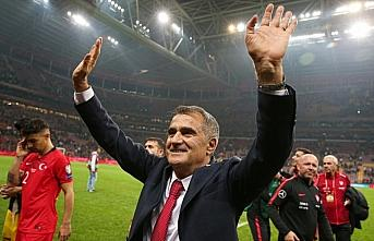 A Milli Futbol Takımı Teknik Direktörü Şenol...