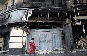 İran'daki gösterilerde 15 polis yaralandı,...