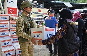 Terörden arındırılan Tel Abyad ve Rasulayn'a insani yardım