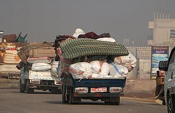 10 bin sivil daha Türkiye sınırındaki bölgelere...