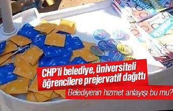 CHP'li Mersin Büyükşehir Belediyesi, üniversiteli gençlere ücretsiz prezervatif dağıttı