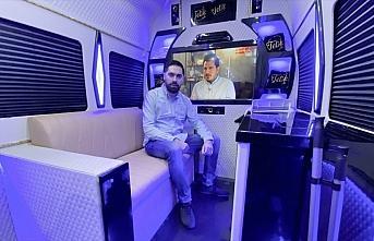 Hollanda'da Türk kuaför, minibüsüyle tüm Avrupa'ya...