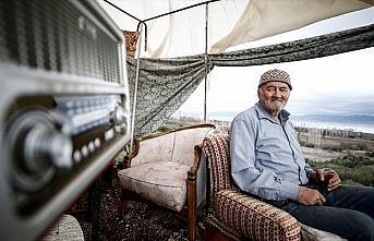 Mehmet dedenin Burdur Gölü manzaralı barakasında...