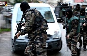Ruhsatsız silah operasyonunda 13 kişi yakalandı