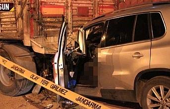 Samsun'da otomobil tır dorsesine çarptı: Erol...