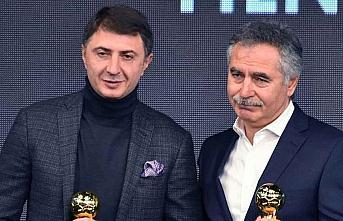 Şota Özbekistan Süper Ligi'nin en iyi teknik direktörü...